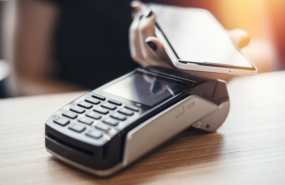 Pagamento NFC su terminale Pax